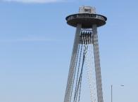 lo strano UFO che svetta sui cieli di Bratislava
