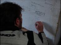 Cafè Jilili, immancabile un autografo sul muro con l'augurio di tornare presto
