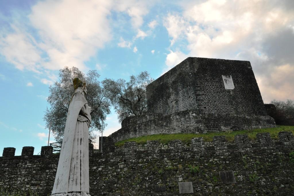 """Mulazzo - la """"torre di Dante"""""""