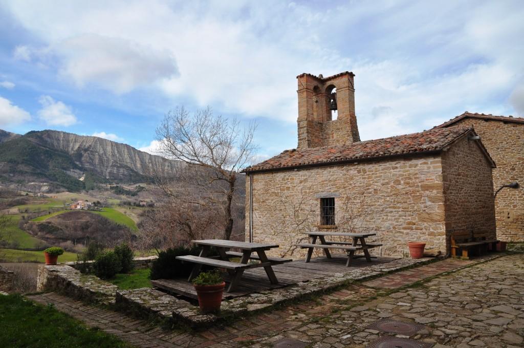 Pietrarubbia borgo