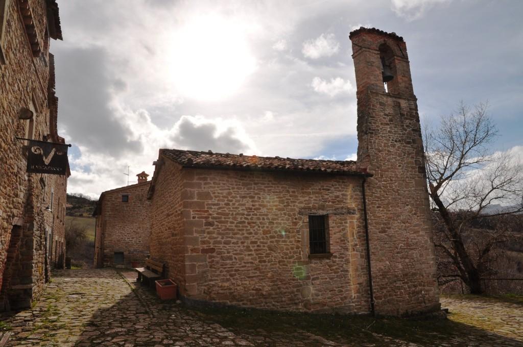 Pietrarubbia borgo02
